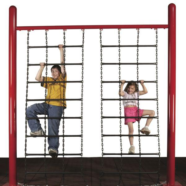 chain-climbing-wall