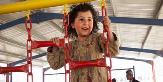 playground_lettel_girl